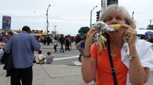 Yes, Brenda does eat, especially corn on the cob at Chicago FoodFest